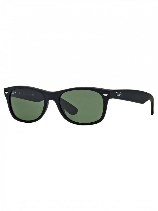 Ray-Ban Black New Wayfarer Sunglasses RB2132