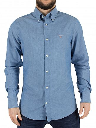 GANT INDIGO FITTED TECH PREP CHAMBRAY LOGO SHIRT